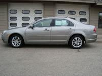 Options Included: CARFAX GUARANTEED!! 2008 MERCURY
