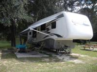 2008 CYPRESS BY NEWMAR 5TH WHEEL. A Newmar, in great