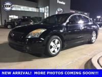 ACCIDENT FREE CARFAX, KEYLESS ENTRY, LEATHER, and POWER