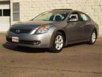 The Altima 3.5 SE will provide you with everything you