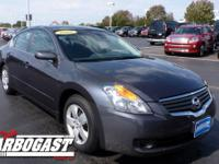2008 Nissan Altima Sedan 2.5 S Our Location is: Dave