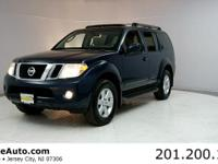 ***CARFAX CERTIFIED WITH SERVICE RECORDS***. Pathfinder