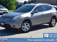 Sturdy and dependable, this 2008 Nissan Rogue SL makes