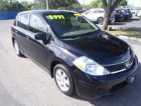 2008 Nissan Versa Hatchback 1.8 S Our Location is: Dyer
