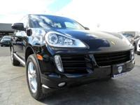 Exterior Color: black, Body: SUV, Engine: 4.8L V8 32V