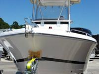 ,.,,ery nice 20' Center Console Boat. Pro - Line Sport.