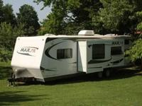 2008 R-Vision Max-Lite ML-28BHS Travel Trailer. This