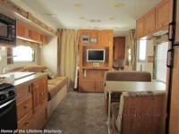2008 Rockwood 2607 kitchen, bath, queen bed, dinette,
