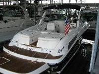 SEARAY 300 SLX Sport Boat with Lead Dual Axle Trailer.