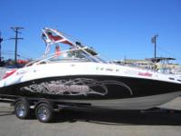 LOW Usage, wake board jet boat, space for your family