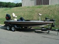 Description LOADED SKEETER 225 WITH ONLY 2 HOURS AND