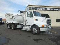 2008 Sterling Trucks LT9500 2008 Sterling LT9500 2008