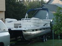 Selling a 2008 Sun Tracker 24' Party Barge Pontoon. One