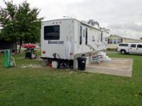 FOR SALE - 33' 2008 SUNNYBROOK BROOKSIDE TRAVEL TRAILER