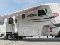 2008 Sunnybrook Titan 32bwks LX luxury fifth wheel, 33