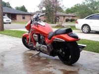 2008 orange Suzuki boulevard m109r extra clean 10kmiles