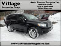 This is a 2 owner Toyota Highlander HYBRID Limited 4x4