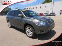 TECHNOLOGY FEATURES:  This Toyota Highlander Hybrid
