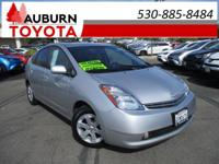 NAVIGATION, LEATHER, LOW MILEAGE! This wonderful 2008