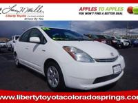 EPA 45 MPG Hwy/48 MPG City! SUPER WHITE exterior and