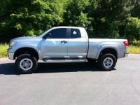 ONE NICE TRUCK ONE OWNER 4X4 SR5 PACKAGE FOUR DOOR