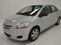 New Arrival! POPULAR COLOR COMBO! This 2008 Toyota