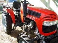 28 hp 2008 Plantation Pro Series Tractor with loader.