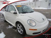 This front wheel drive 2008 Volkswagen New Beetle Coupe