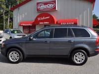 Check out this 2008 Volvo XC90 3.2 AWD! The roof rack