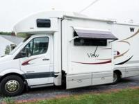 2008 White Winnebago View in excellent condition.