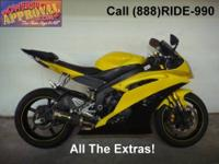 2008 Yamaha R-6 600cc Sport bike - Raven edition. One