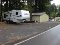 Very nice Durango 5th wheel with many upgrades. Very