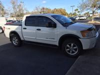 2008 Nissan Titan Pro -4x ** Moon roof ** Leather **