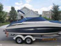 - Stock #079488 - This is a gorgeous Sea Ray Sundeck