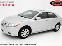 Camry XLE, 3.5L V6 SMPI DOHC, Leather, CLEAN CARFAX!