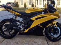///2008 yamaha r6 limited edition, not one scratch,