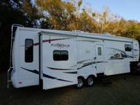 2009  35 FT BIG HORN / TRIPLE SLIDE  REDUCED  27,500