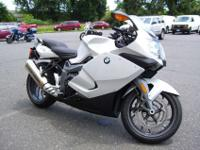 The BMW K 1300 S: Supreme power with the sportiest of