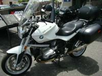 2009 BMW R 1200 R BMW's original roadster with all the