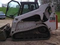 2009 Bobcat T300, 1700 miles, Exterior: White, Good
