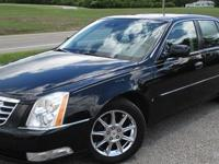 2009 CADILLAC DTS PLATINUM V8, Auto, Black/Black power