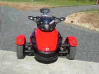 2009 Can Am Spyder in Excellent Condition- - Red
