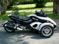 2009 Can-Am Spyder Roadster SE5 Silver, Like New only