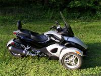 Im selling my 2009 Can Am Spyder RS SE-5. I take very