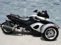 2009 Can-Am Spyder SM5 CERTIFIED PRE-OWNED!! Includes a