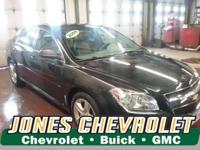 Priced below Market! This Chevrolet Malibu gets great