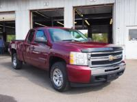 Exterior Color: deep ruby metallic, Body: Extended Cab