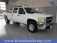 Duramax 6.6L V8 Turbocharged, 4WD, Bedliner, CD player,