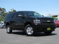 This 2009 Chevrolet Suburban 4dr LS 4x4 SUV features a