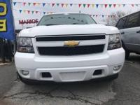 Drive away with this beautiful 2009 Chevrolet Tahoe.
